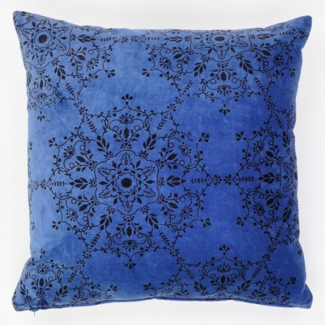 Snowflake Noir Cushion