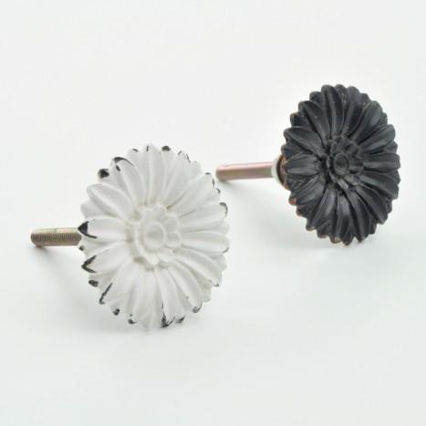 Delicate Metal Flower Knob