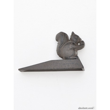 Woodland Squirrel Doorstop